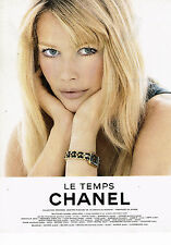 PUBLICITE ADVERTISING 034   1995   CHANEL  CLAUDIA SCHIFFER  collection montres