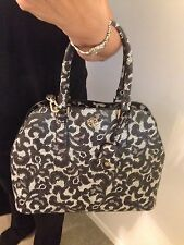 BRAND NEW TORY BURCH FERRARA LACE BLACK ROBINSON PRINTED OPEN DOME SATCHEL