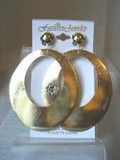 CLIP-ON OVAL MIRROR FOIL HOOP DANGLE EARRINGS GOLD TONE 3.5 INCH DROP