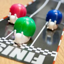 3 X RACING SNAILS + TRACK TABLE TOP RACER  DESK TOP WIND UP FUN SNAIL RACE GAME