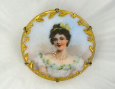 ANTIQUE  VICTORIAN CAMEO - HAND PAINTED ON PORCELAIN BROOCH PIN