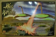"(K) War of the Worlds ""War Machines Attack"" model kit 1/144 scale #9002 -- NEW"