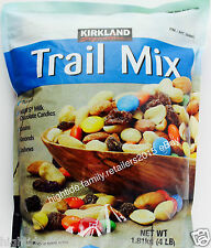 Kirkland Trail Mix Almonds Cashews Peanuts Raisins M&M's Chocolate USA, 4 pounds