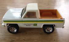VINTAGE ERTL JOHN DEERE COMPANY PRESSED STEEL WHITE PICK-UP TRUCK TOY USA