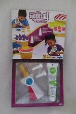 Wilton Incredible Icing Squeezie For Kids Great Decorating Cakes and Cupcakes