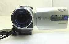 Sony Handycam DCR-TRV20 Mini DV Digital Camcorder NTSC battery bundle