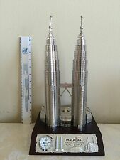 "PETRONAS TWIN TOWERS MALAYSIA 12"" TALL MODEL (ONE OF THE WORLD TALLEST BUILDINGS"
