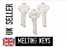 MELTING KEY close up key cutting magic trick