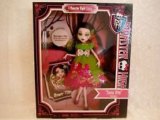 Monster High Snow Bite Scarily Ever After 2012 NIB
