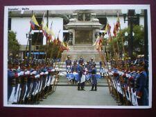 POSTCARD ASIA EQUADOR - GUARDIA DEL PALACIO DE GOBIERNO EN LA PLAZA GRANDE