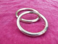 A PAIR O VINTAGE MEXICAN STERLING SILVER BANGLE BRACELETS
