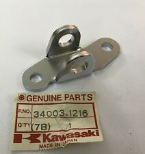 Supporto pedana Ant. Dx - HOLDER-STEP FR RH - Kawasaki ZX900 NOS: 34003-1216