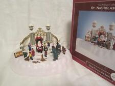 2007 St Nicholas Square Village Collection Taking Pictures With Santa w/Box