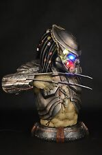 Hot ! PREDALIEN Predator ALIEN AVP 44cm Figure Bust Statue Collectible LED LIGHT