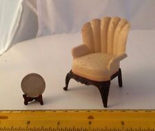 1/16 MINIATURE VINTAGE PLASTIC RENWAL EASY CHAIR BEIGE/BROWN DOLLHOUSE FURNITURE