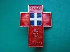 N°37 insigne religieux médaille religieuse diocèse Sens Notre Dame de Lourdes