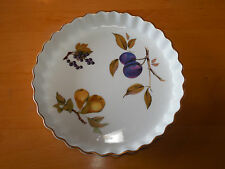 Royal Worcester England EVESHAM GOLD 9 in Quiche Plum Pear