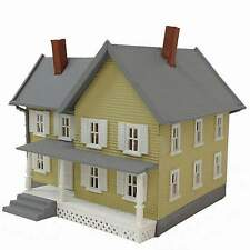MODEL POWER N SCALE JACKSON'S HOUSE BUILT-UP BUILDING LIGHTED with 2 FIGURES