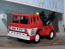 1970 70 FORD C600 TOW TRUCK 1/64 SCALE COLLECTIBLE DIECAST MODEL - DIORAMA