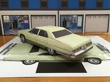 Papercraft Chevrolet Caprice 4 door GREEN PaperCar EZU-build 1975 Toy Model Car