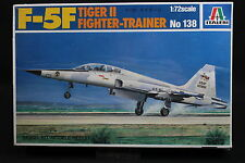 XY094 ITALERI 1/72 maquette avion 138 Tiger II F-5F Fighter Trainer année 1982