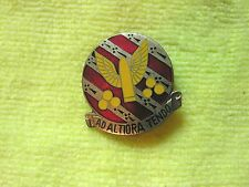 US Army 7th Infantry Artillery DUI Distinctive Unit Insignia AD Altiora Tendo