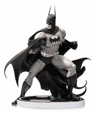 DC Collectibles: Batman Black and White - Batman by Tim Sale 2nd Edition Statue