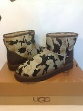 UGG CAMO Mens Classic Mini Calf Hair Sheepskin Boot Seal Camo 9 US/ 42 EUR.