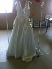 Stunning White Satin Sleeveless Ballgown Wedding Dress Gown - Size 10