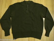 Original 40s WW2 US Army OD Combat Sweater w Cat Eye Buttons Field Gear USA RARE