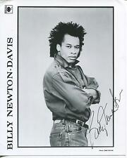 BILLY NEWTON-DAVIS SINGER SONGWRITER THE NYLONS SIGNED PUBLICITY PHOTO AUTOGRAPH