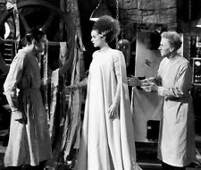 Elsa Lanchester UNSIGNED photo - B2101 - The Bride of Frankenstein