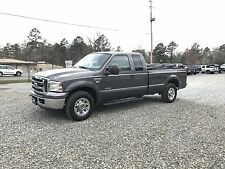 2005 Ford F-250 XLT Extended Cab Pickup 4-Door