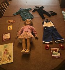 Kit american girl doll and outfits