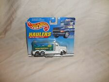 Hot Wheels Haulers Scuba Diving Diving Equipment MOC Card Shows a Little Wear