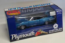 ERTL 1/18 BLUE FIRE METALLIC 1970 PLYMOUTH SUPERBIRD with MOPAR TOOL BOX