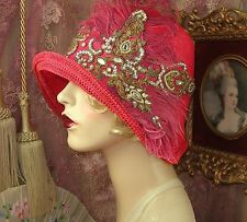 1920'S VINTAGE STYLE RED & GOLD RHINESTONE FEATHER CLOCHE FLAPPER HAT