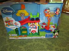 Fisher Price Little People Magic Kingdom Magical Day at Disney Mickey Mouse