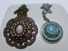 WOMENS ESTATE COSUME JEWELRY NECKLACE PENDANT (S) LOT OF 2 SET VINTAGE CHARMING
