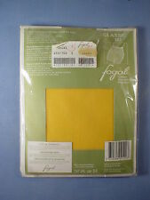Fogal Style 122 Classic 17 Denier Pantyhose Size Small in Jaune