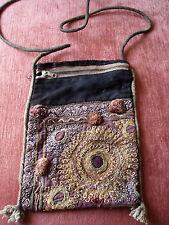 Antike Stickerei als Tasche Schultertasche aus Indien um 1800, ca. 20x14,5 cm