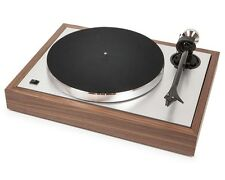 Pro-Ject The Classic Walnut Turntable with Factory-Installed Cartridge