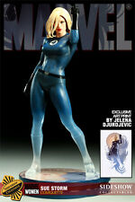 Sideshow Collectibles Exclusive Women of Marvel: Sue Storm Comiquette with Print