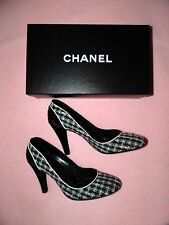 CHANEL Size 40/US 10 Classic Tweed Pumps Heels Black White Neiman Marcus