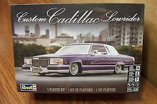 REVELL CUSTOM CADILLAC LOWRIDER MODEL KIT 1/25 SCALE