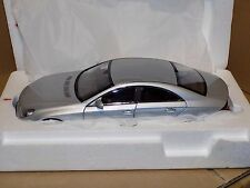 MERCEDES  BENZ   CLS  CLASS  2004  KYOSHO  08401S  1:18