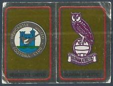 PANINI FOOTBALL 84-#420-A-B-NEWCASTLE UNITED / OLDHAM ATHLETIC TEAM BADGES-FOILS