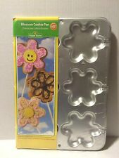 Wilton Blossom Flower Cookie Pan 2105-2958 Easter Sheet New Spring Treat