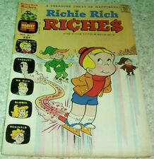Richie Rich Riches 11, (FN+ 6.5) 1974 Ice Skating cover! 40% off Guide!