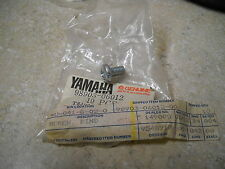 NOS OEM Yamaha Fender Blind Screw 1972-94 QT50  CT2-175 XV250  98903-06012